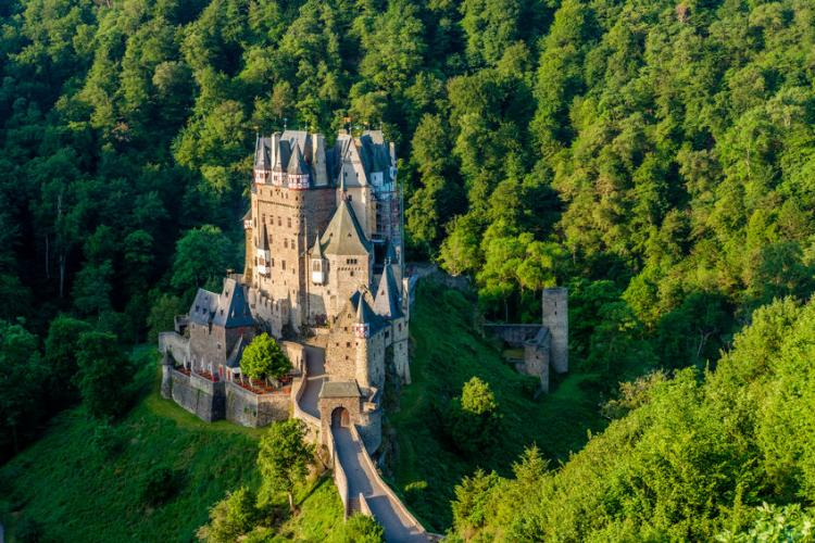 The stunning Burg Eltz | Photo by haveseen