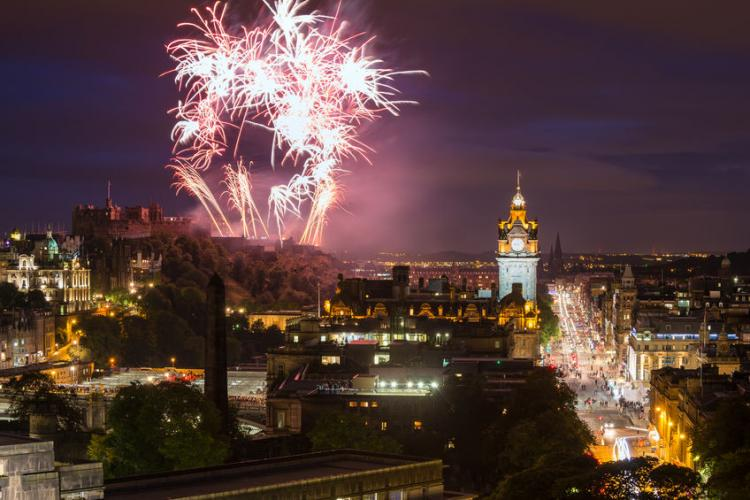 Hogmanay in Edinburgh. | Photo by Andrea Obzerova