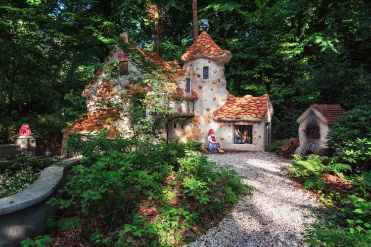 House of the fairy tale Hansel and Gretel in the fairytale forest in the theme park Efteling in the Netherlands   Photo via 123RF