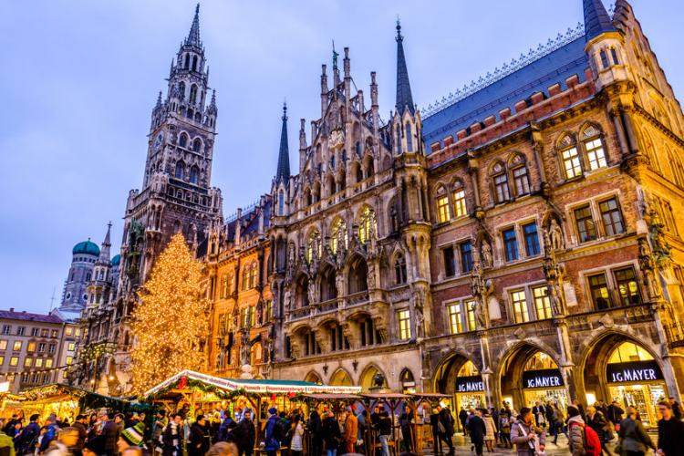 Munich Christmas Market.The Christmas Markets Of Munich And Frauenchiemsee Stripes