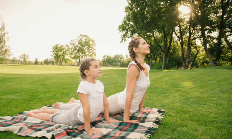 5 Yoga Poses For The Whole Family To Practice This Summer